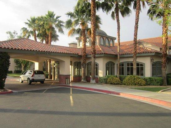 Hilton Garden Inn Palm Springs/Rancho Mirage: exterior