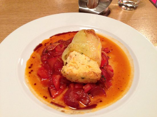 Bistro Franz: Pepper stuffed with ricotta and veges
