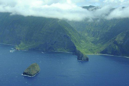 Na Pali Coast: View of Kalaupapa Pali from air
