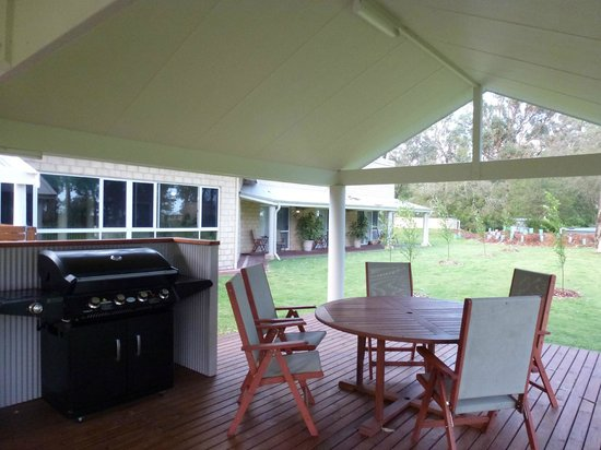 Inn the Tuarts Guest Lodge Busselton : Second BBQ area
