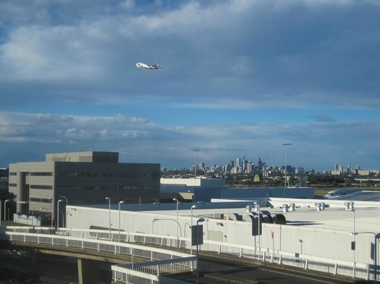 Rydges Sydney Airport Hotel: view from our room
