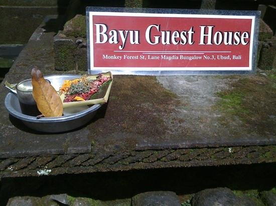 Bayu Guest House: entrance