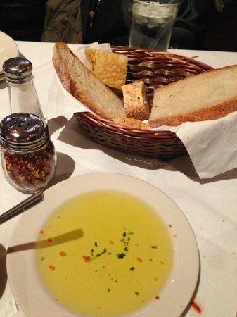 Carmine's Italian Restaurant : Complimentary bread and olive oil
