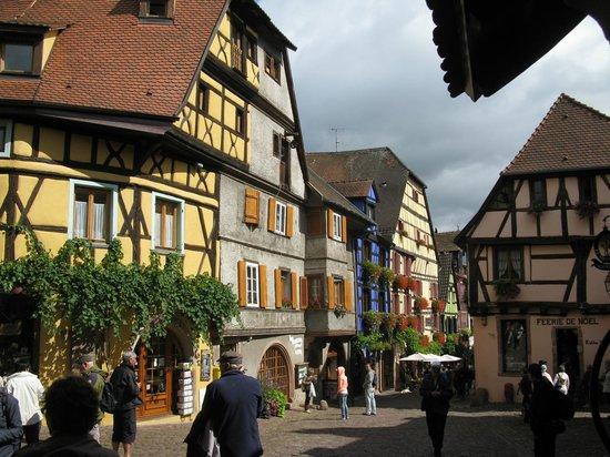 Vieille Ville : View from Dolder tower gateway