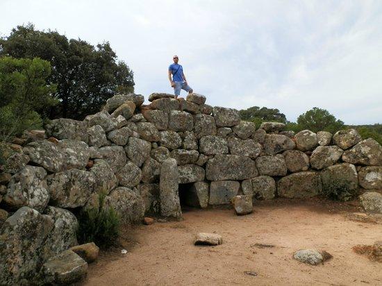 Sardinia Dream Tour - Day Tour: Tomba dei giganti fuori dagl itinerari turistici