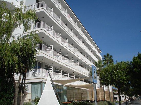 Hotel JS Sol de Alcudia: Hotelfront