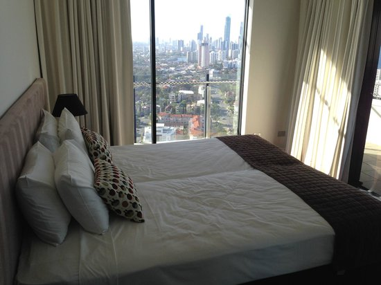 The Wave Resort: Views of Gold Coast from my daughters bedroom!!!!!