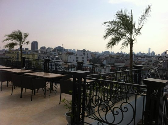 Hanoi Tirant Hotel: nice place for a g & t