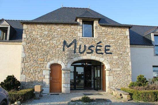 Musee des Arts, Metiers Et Commerces : la face du musée