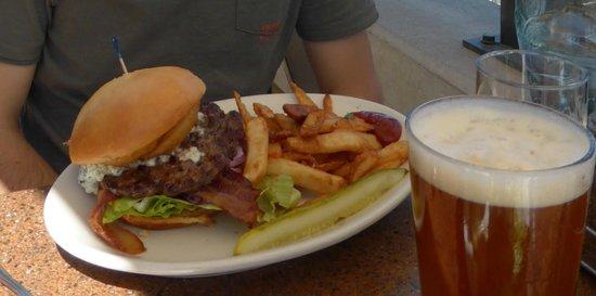 Downtown Joe's : Burger