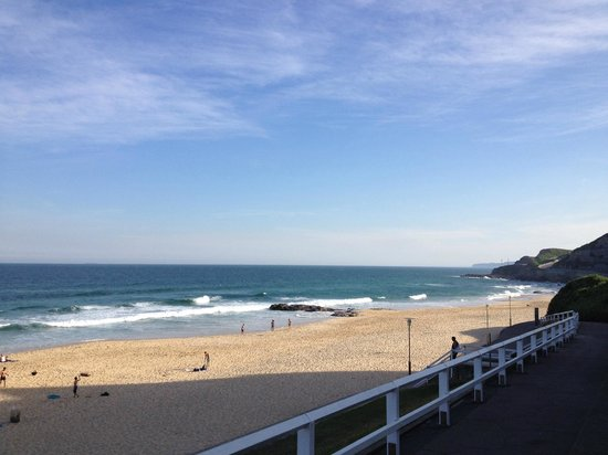 Novotel Newcastle Beach : beach