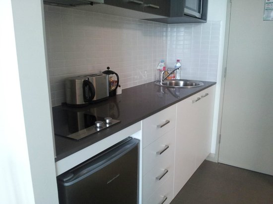 Quest at Sydney Olympic Park: Kitchenette