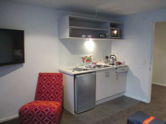 The Grange Guesthouse & Motel: kitchen