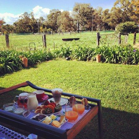 Kellers Bed & Breakfast: Breakfast with a view
