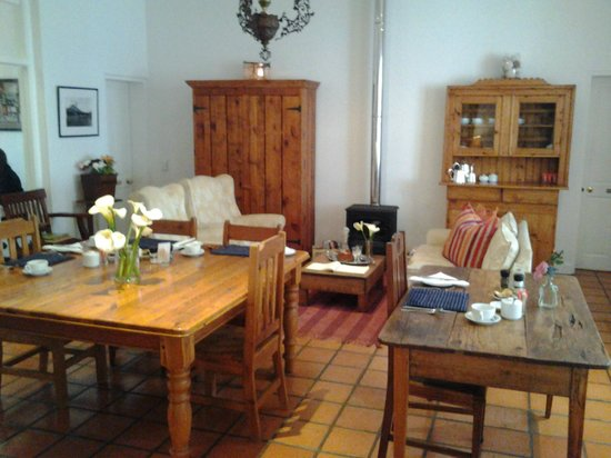 22 Die Laan Self-Catering Accommodation: Dining