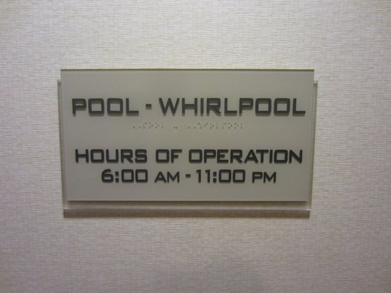 SpringHill Suites Raleigh-Durham Airport/Research Triangle Park: Pool Sign