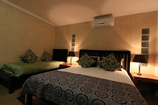 al Marrakesh Guest House : Self Catering en suite bedroom