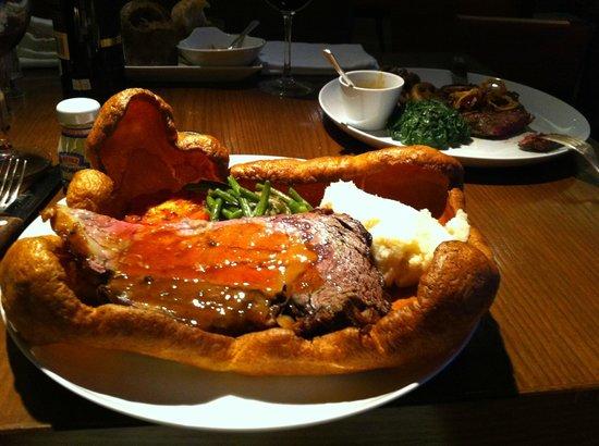 Arthur's Bar & Grill: Roast Beef