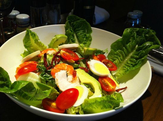 Arthur's Bar & Grill: Cobb Salad
