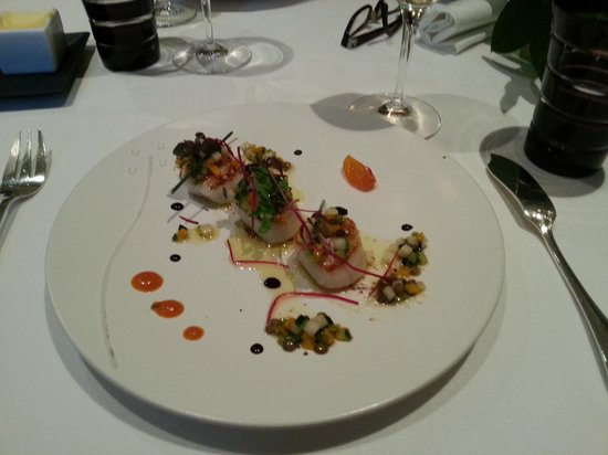 Gill: Heavenly scallop starter in the seasonal menu