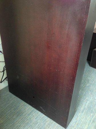 Conrad Miami: furniture in very bad shape