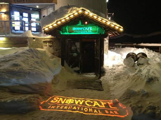 ‪SnowCafe International Bar‬