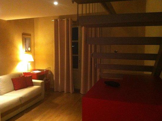Borgo Santa Giulia : Suite rossa - zona giorno
