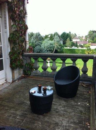 Manoir de la Marjolaine : terrasse suite africa