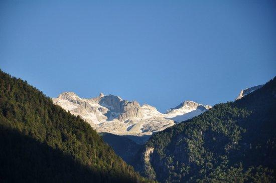 Bellavista Hotel: Peaks seen from our room