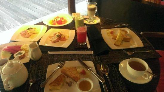 Kayumanis Ubud Private Villa & Spa: 烏布卡尤瑪尼斯酒店  早餐