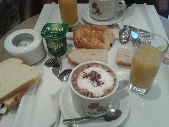 Hotel Central : Et le petit déjeuner!