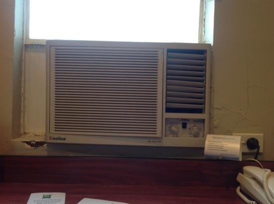 ibis Styles Kingsgate Hotel : Terrible airconditioner.