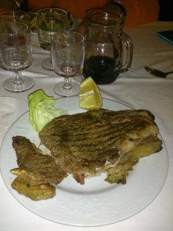 Ristorante Stelluccia: Bistecca davvero buonissima e cotta alla perfezione