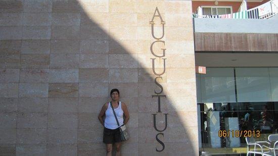 Hotel Augustus: UN HOTEL QUE ESTA BIEN