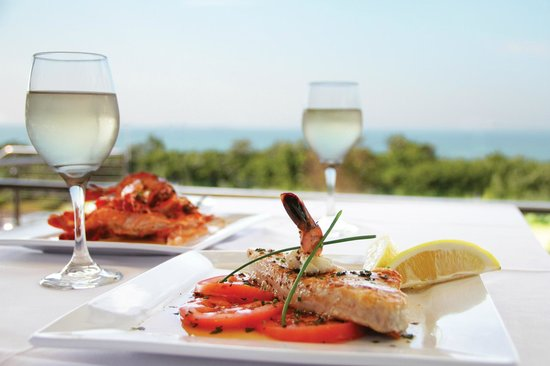 Jack Salmon Fish House: Awesome fresh salmon in a seafood sauce & prawns pardelle