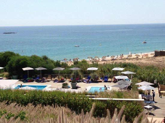 Martinhal Sagres Beach Resort & Hotel: Vue sur la piscine (de la réception) et sur la plage