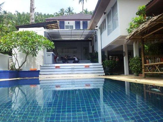 Ananas Hostel Koh Samui: Pool