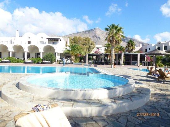9 Muses Santorini Resort: piscine enfants devant le bassin principal
