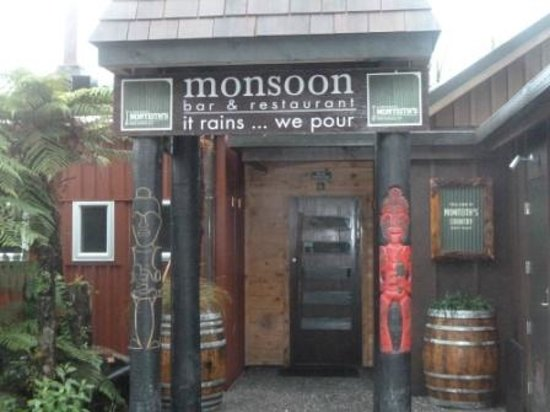 Monsoon Bar & Restaurant: And Man did it rain!!