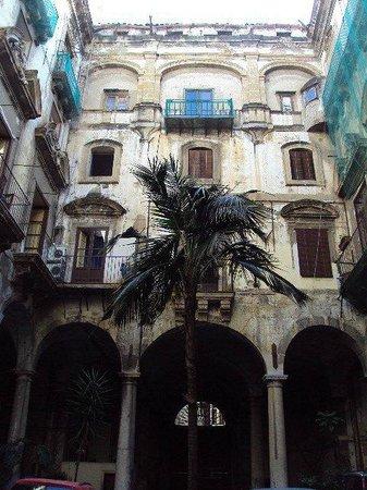 Hotel Orientale, palazzo Filangeri Cutrò