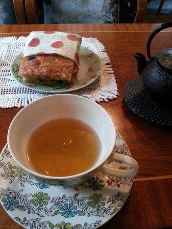 Tante Ingers Tehus: Grønn jasmin te og foccaccia