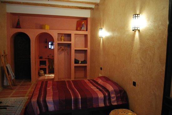 Dar Bergui: Chambre rose