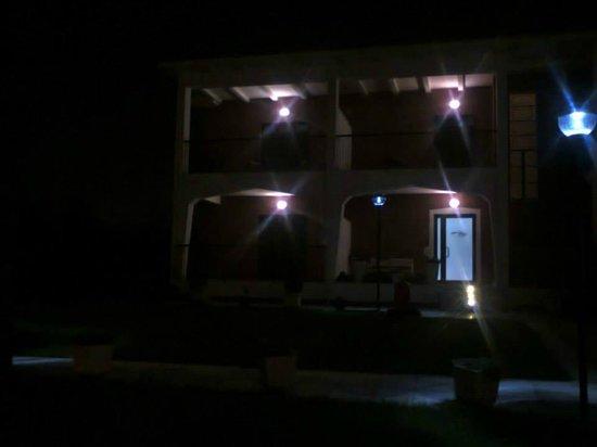 Azienda Agrituristica Vulcano: Ingresso di notte