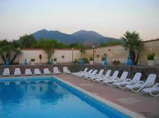 Azienda Agrituristica Vulcano: piscina