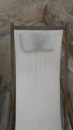 Alcaufar Vell: Otra hamaca llena de humedad en el patio de la habitación