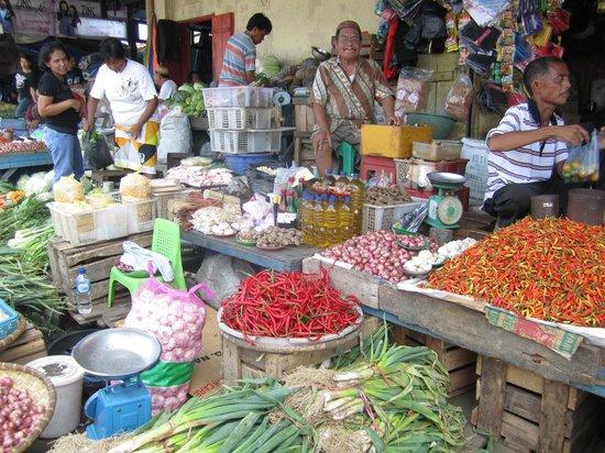 Mamaling Resort Bunaken: Markt