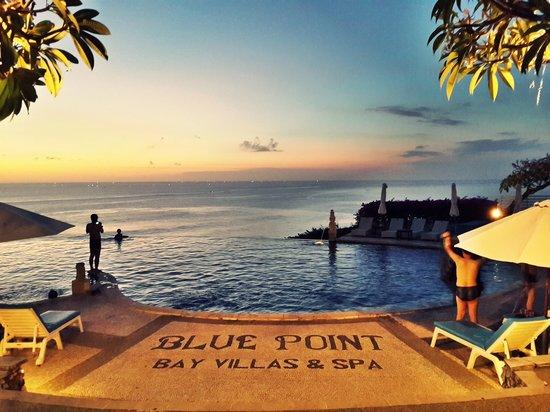 Blue Point Bay Villas & Spa: Main Pool