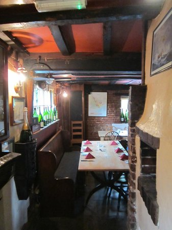 The Griffin's Head Restaurant: bar