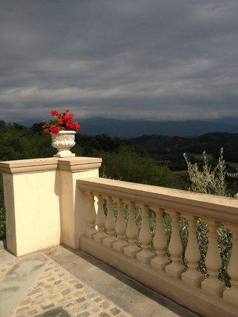 Villa la Borghetta: Vista dal piazzale di ingresso