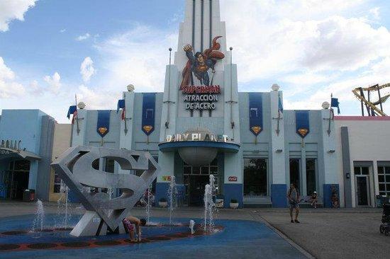 Parque Warner: Superman ride
